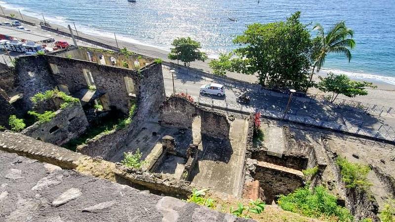 Louer une voiture pour visiter Saint Pierre en Martinique